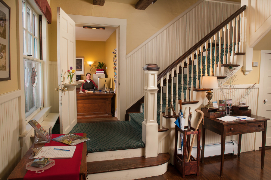 Main Inn Front Desk
