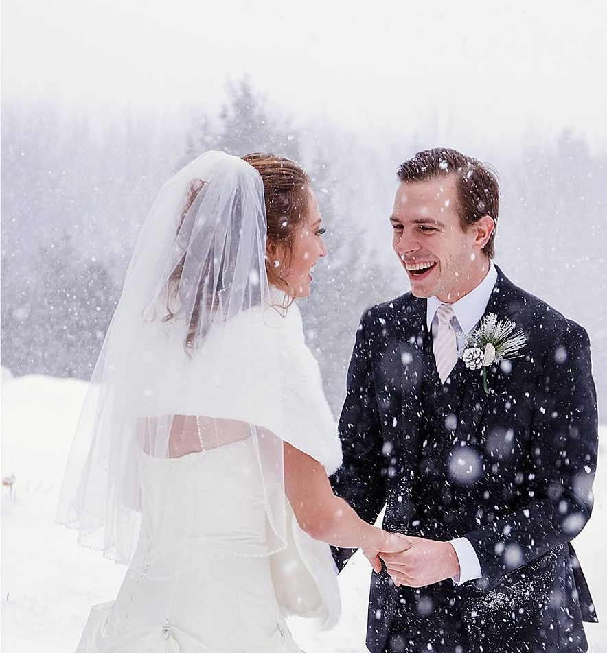 Winter Weddings: Snowvillage Inn