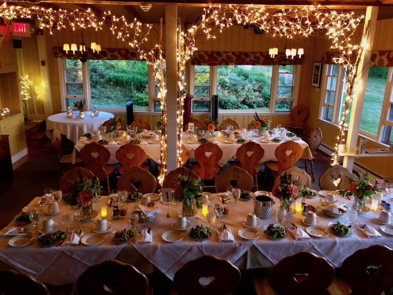 Your Romantic White Mountain Wedding Venue
