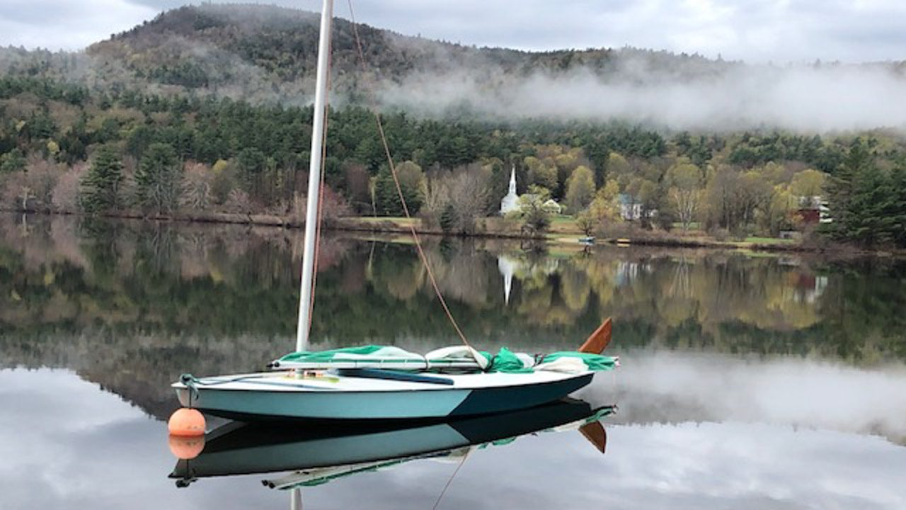 Lake Life in New Hampshire. Experience the Beauty of Lakes in the White Mountains